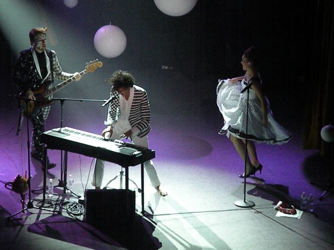 Mika performing in New York City